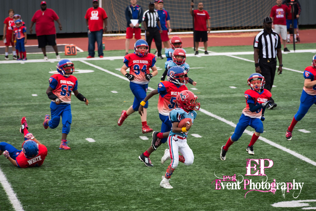 The Clear Lake Space Raiders broke out on the right side just off the tackle.